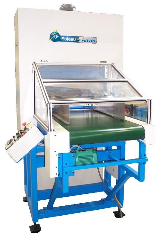 Guilhotina automática de elevada cadência para o corte de materiais flexíveis