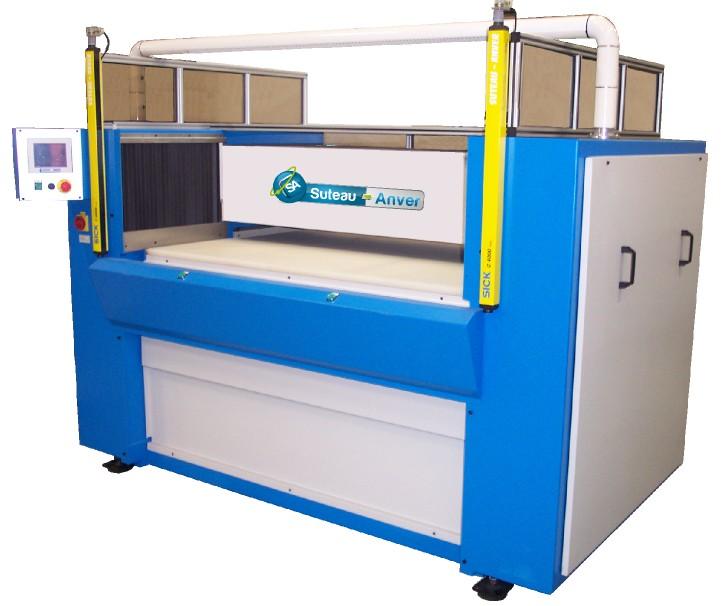 Prensa de corte hidráulica com ponte e mesa móveis – Modelo PTMV